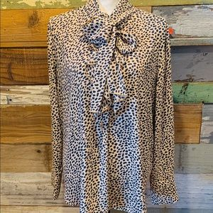 Ann Taylor Hottt Cheetah blouse 💋